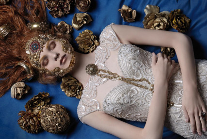 White Sposa Magazine Baroque Editorial